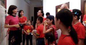 NYG Academy da ngoai bao tang dan toc hoc